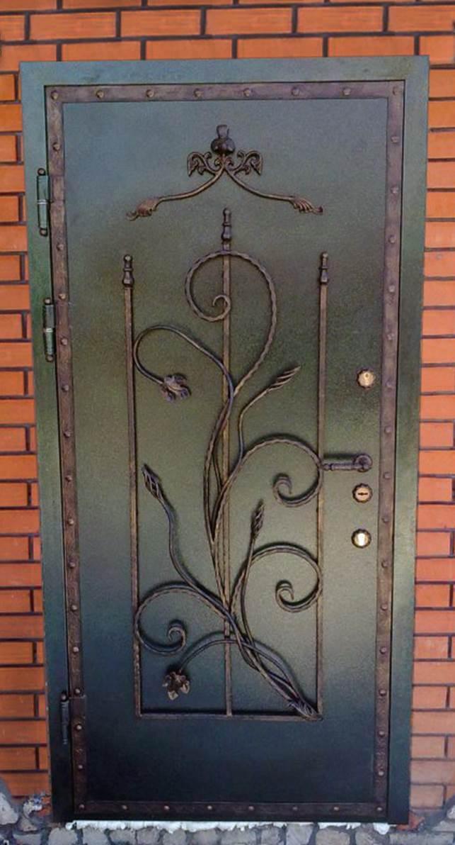 входные двери из белого металлические кованые